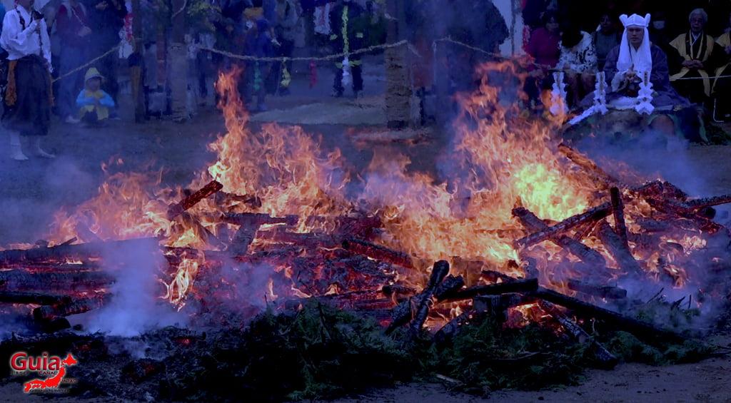 เทศกาล Kashyouzanmai (ไฟศักดิ์สิทธิ์) Toyohashi 28