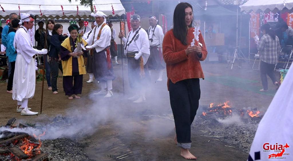 เทศกาล Kashyouzanmai (ไฟศักดิ์สิทธิ์) Toyohashi 35