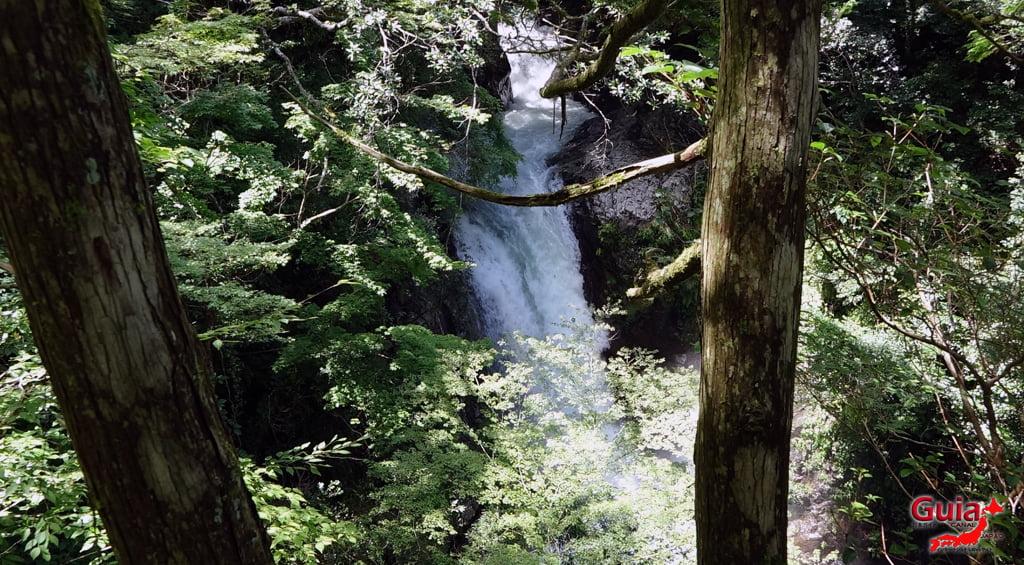 Narusawa Waterfall 2