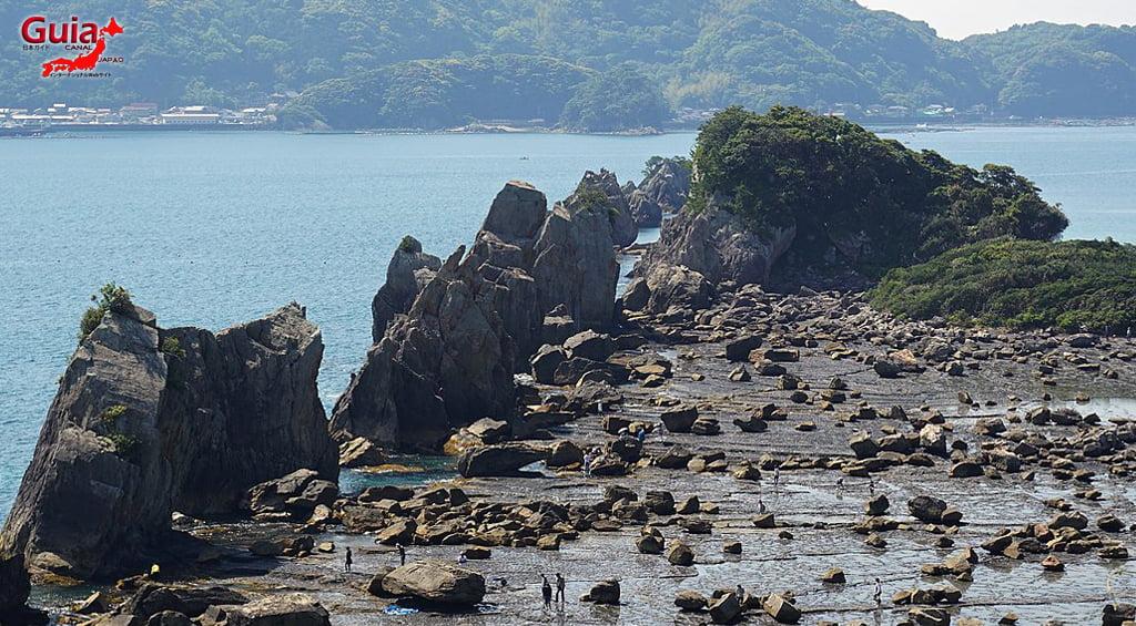Hashigui-iwa rocks 5
