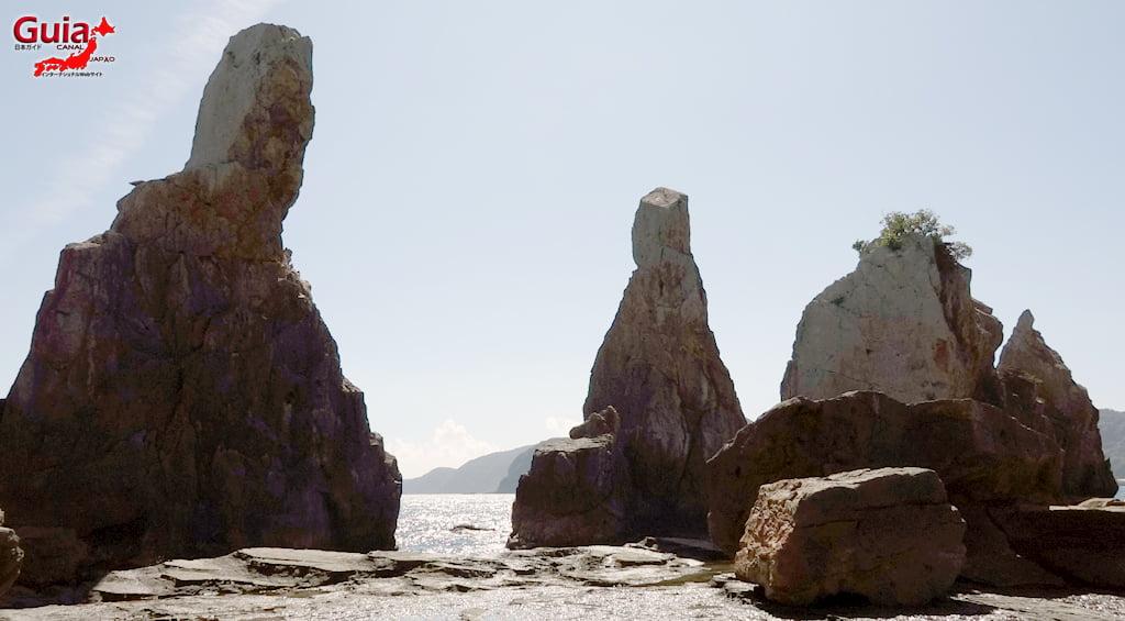 Hashigui-iwa rocks 8