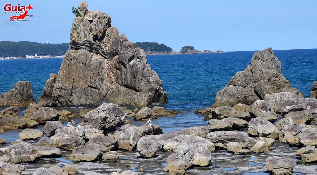 Hashigui-iwa rocks 10