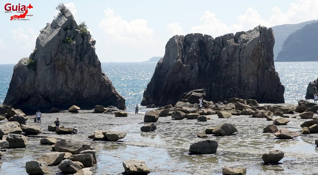 Hashigui-iwa rocks 14