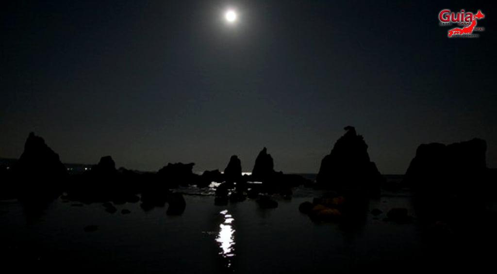 Hashigui-iwa rocks 23