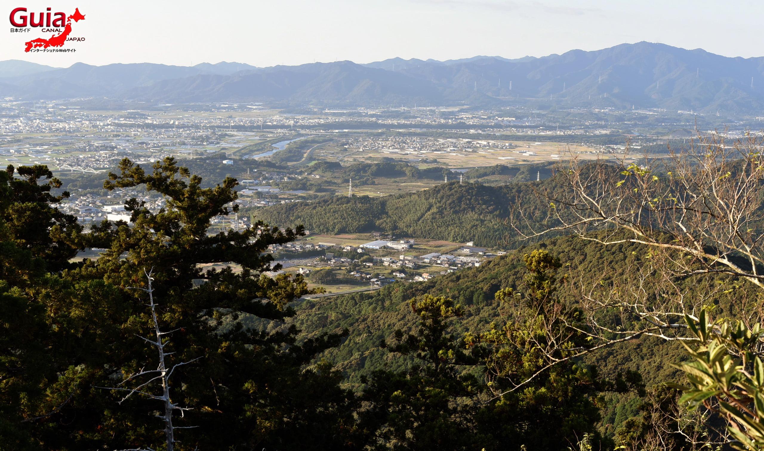 پہاڑ اشیمکی۔ میراira 12