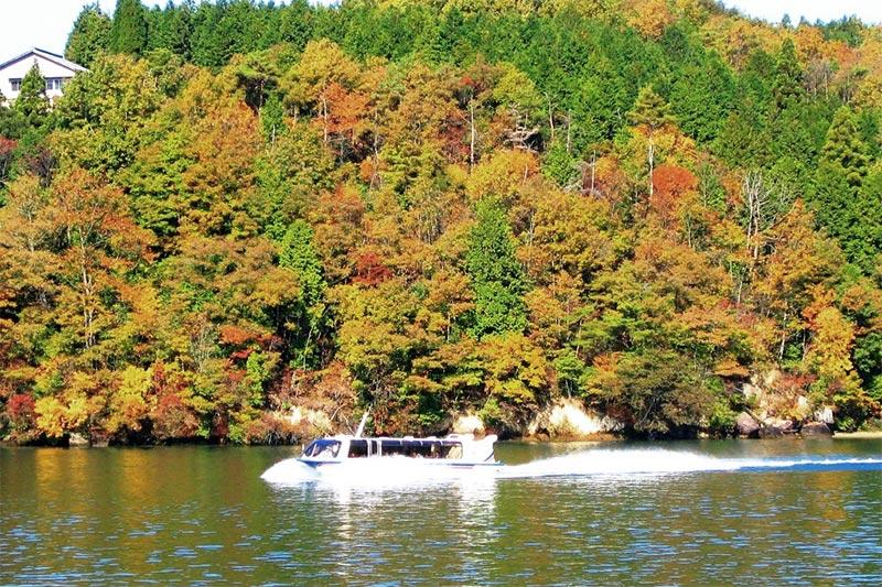 Barco Turístico do Vale Enakyo 24