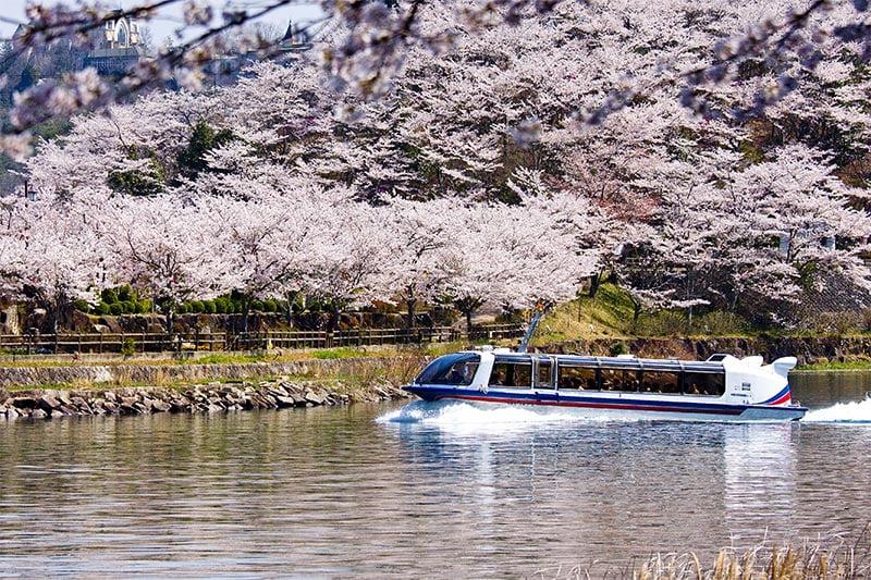 Barco Turístico do Vale Enakyo 23