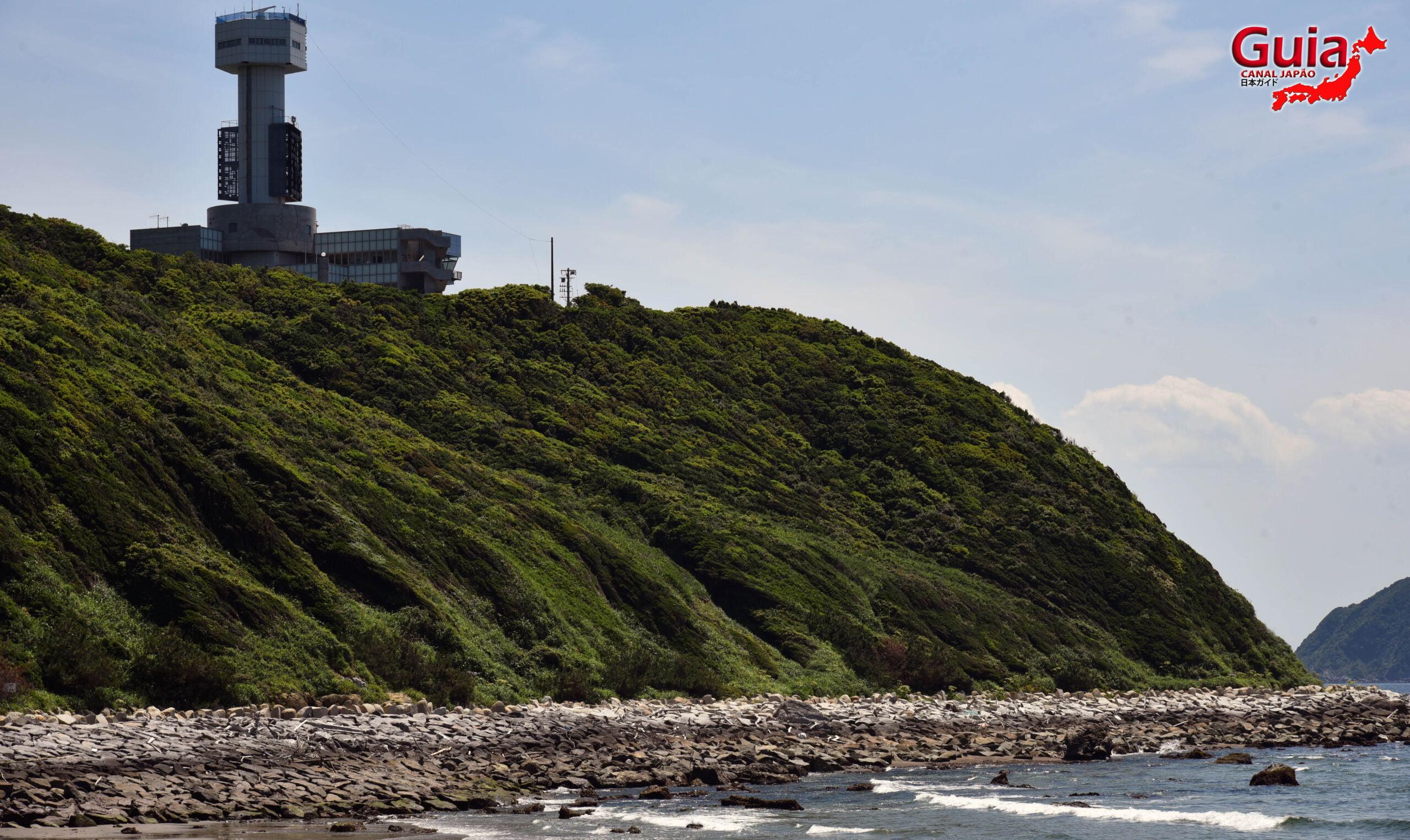 Praia Koijigahama, Farol do cabo Irago, Santuário do Amor e a Pedra de Hiji 19
