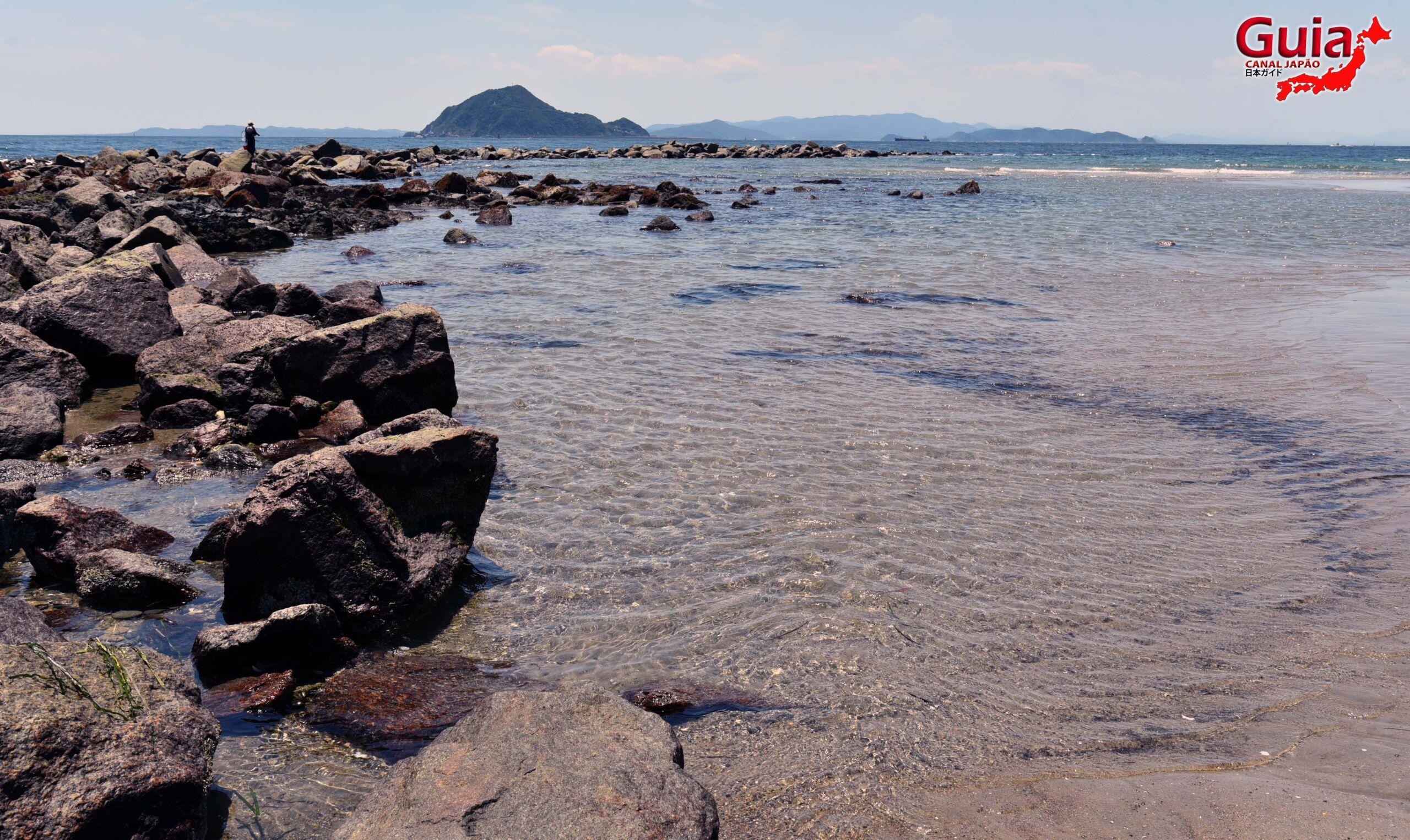 Praia Koijigahama, Farol do cabo Irago, Santuário do Amor e a Pedra de Hiji 22