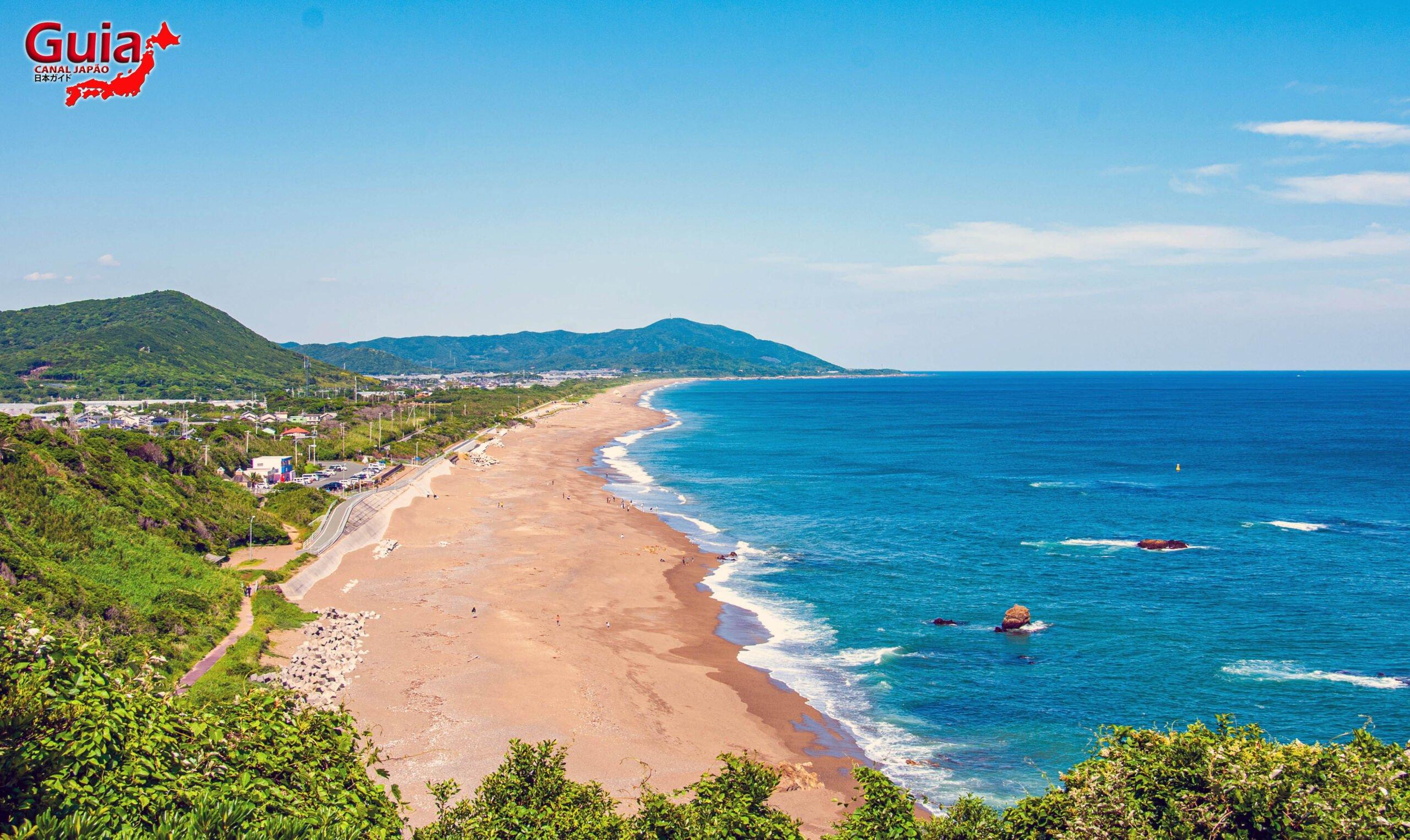 Praia Koijigahama, Farol do cabo Irago, Santuário do Amor e a Pedra de Hiji 2