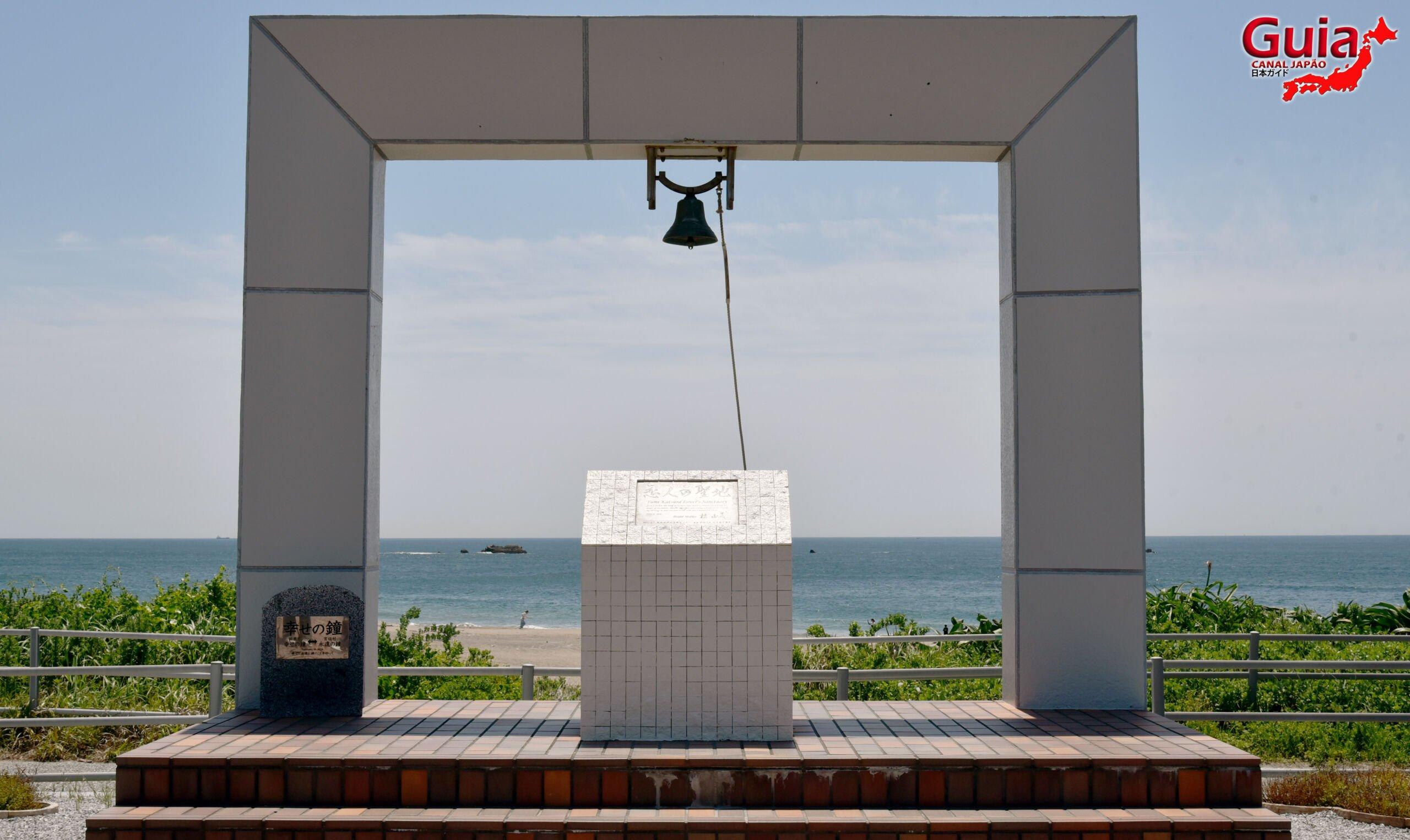 Praia Koijigahama, Farol do cabo Irago, Santuário do Amor e a Pedra de Hiji 9