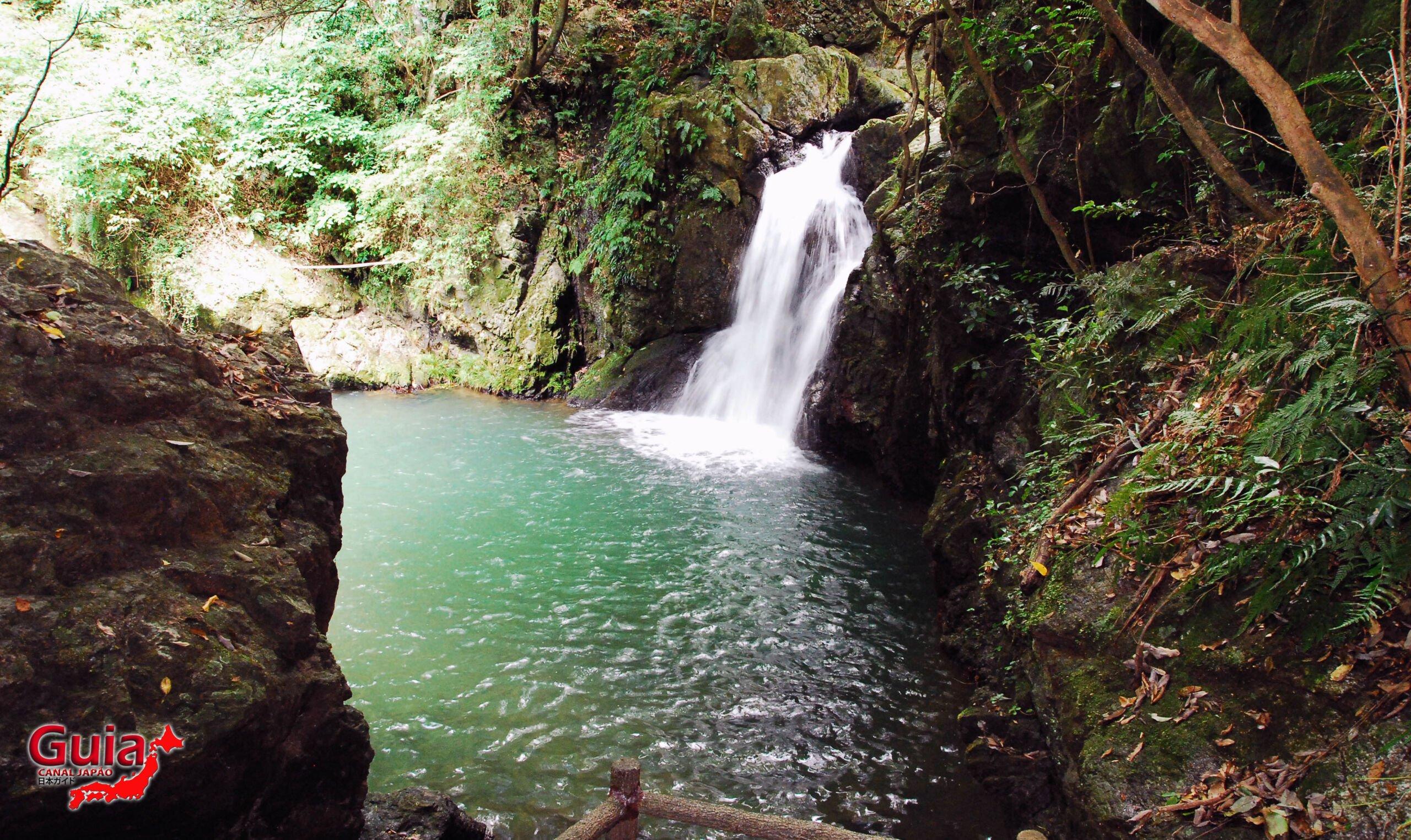 Cachoeira Sengen - 仙厳の滝 1