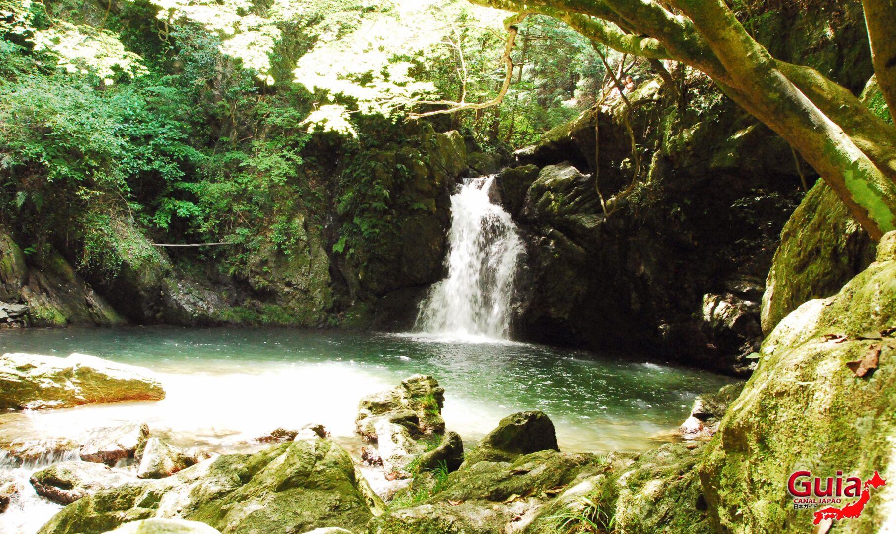 Cachoeira Sengen - 仙厳の滝 2