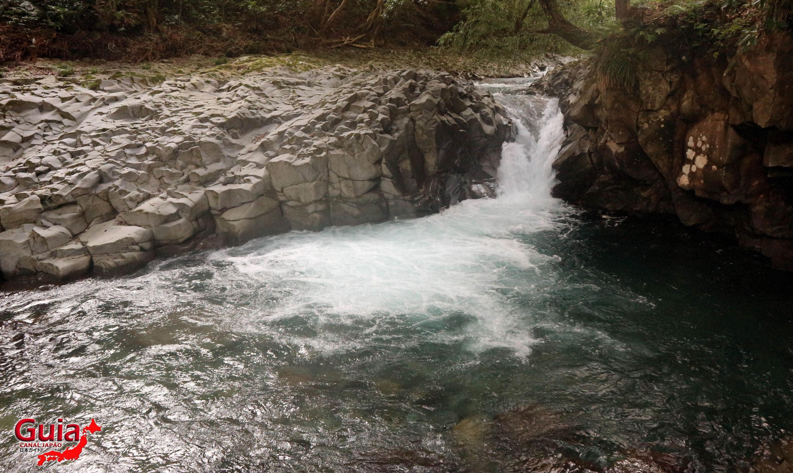 7 Cachoeira de Kawazu Nanadaru - 河津 七 滝 29